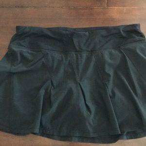 Lululemon Take Flight skirt, size 6, black